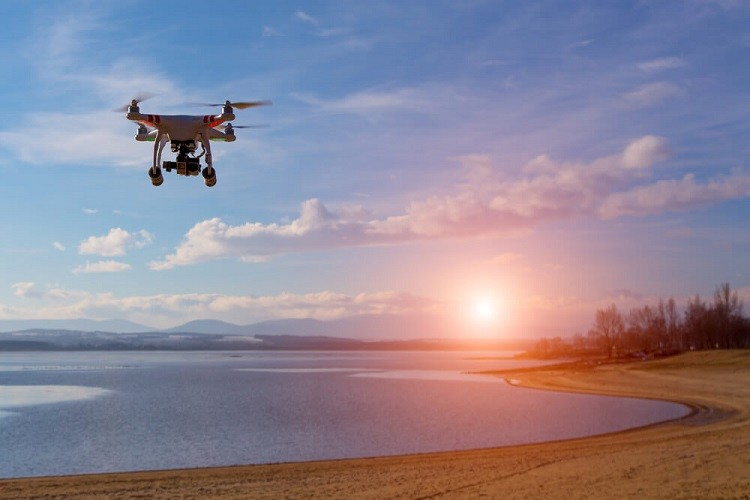 how-to-fly-a-drone-droneistas-guide-to-quadcopters